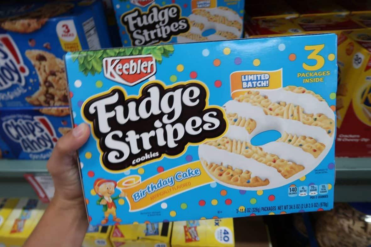 Keebler Fudge Stripes Birthday Cake 3ct 399